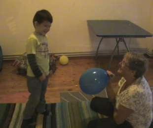 Βίντεο: Επαφή με το αυτιστικό παιδί